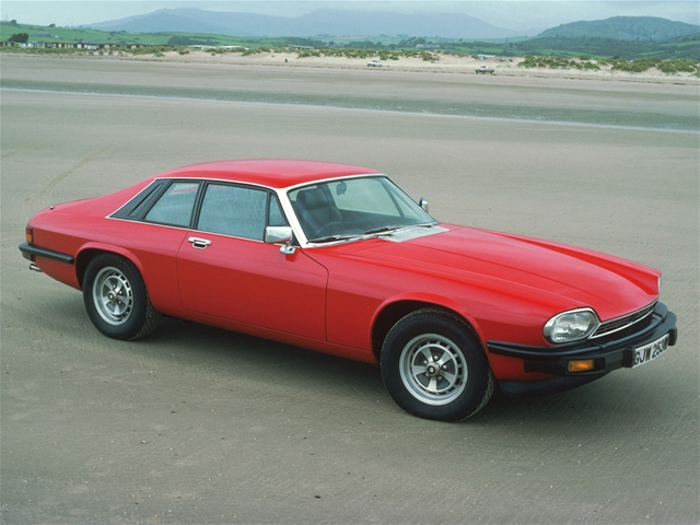 Jaguar-XJS-Red-Strip-1280x960%5B3%5D