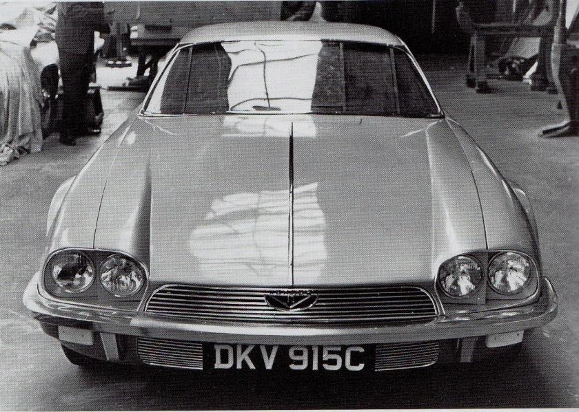 XJ27 takes shape in Jaguar's Styling studio - image via ARonline/Jaguar Cars