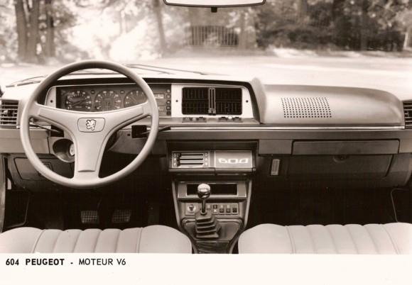 1976 Peugeot 604 interior