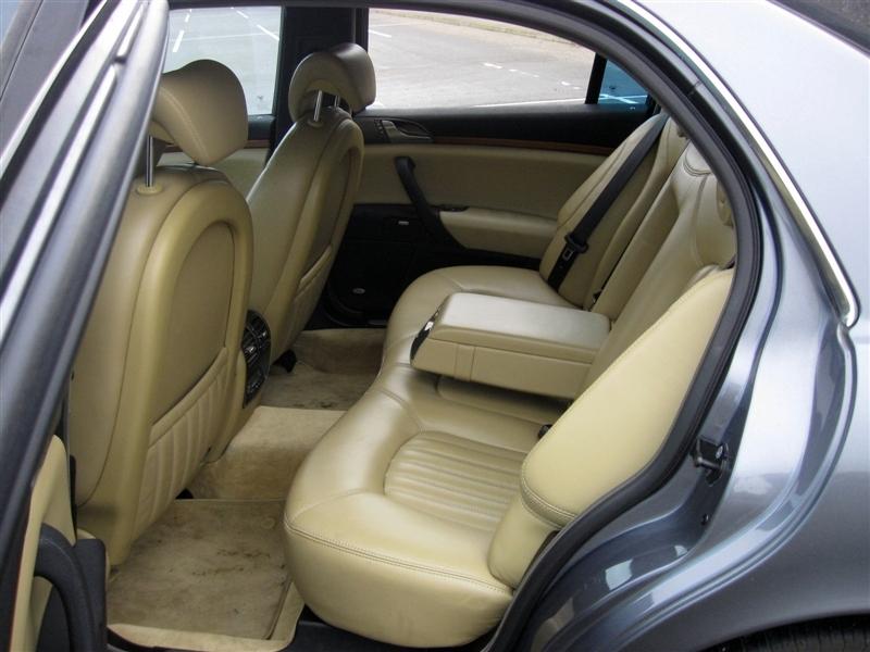 2002_6_Lancia Thesis interior rear