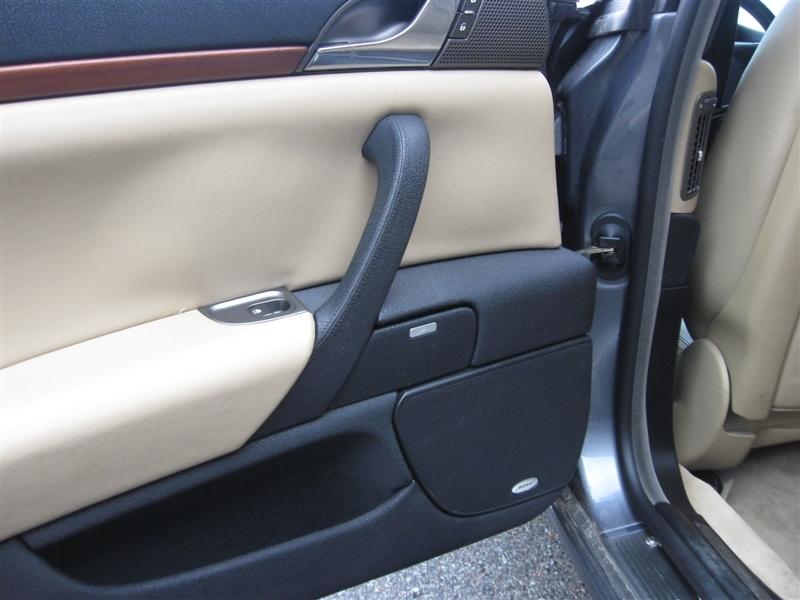 2002_9_Lancia Thesis rear door card