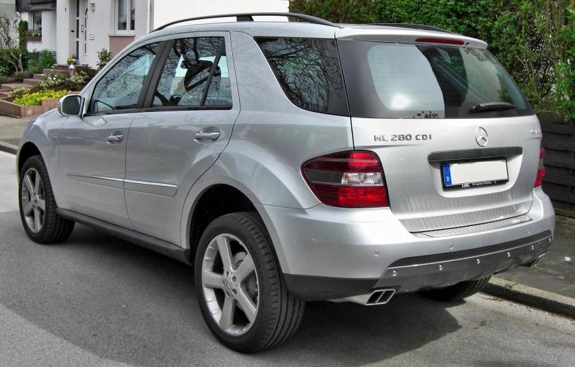 Mercedes_ML_280CDI_Edition_10_rear