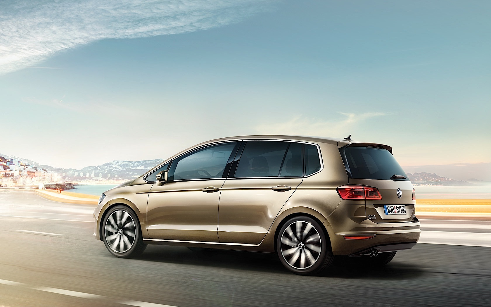 the sunday news vw golf plus nameplate dropped shock. Black Bedroom Furniture Sets. Home Design Ideas