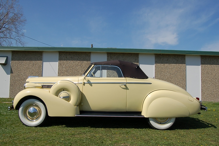 1938 Buick Special Convertible