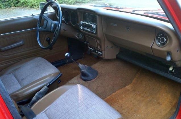 1975 Mazda 616 LN interior