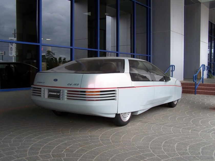 This is a concept car: the 1983 Ford Probe IV.