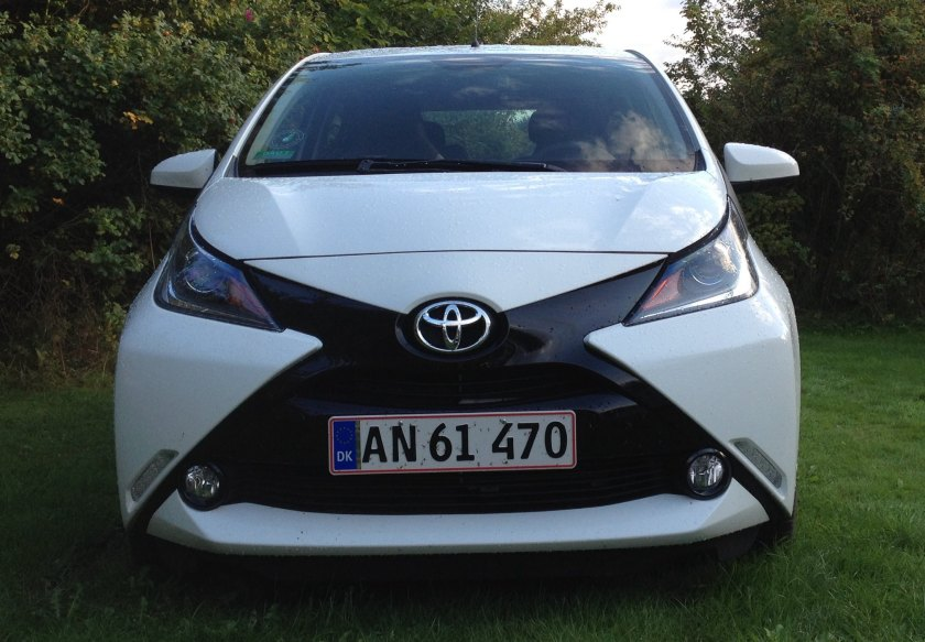 2014 Toyota Aygo front head on