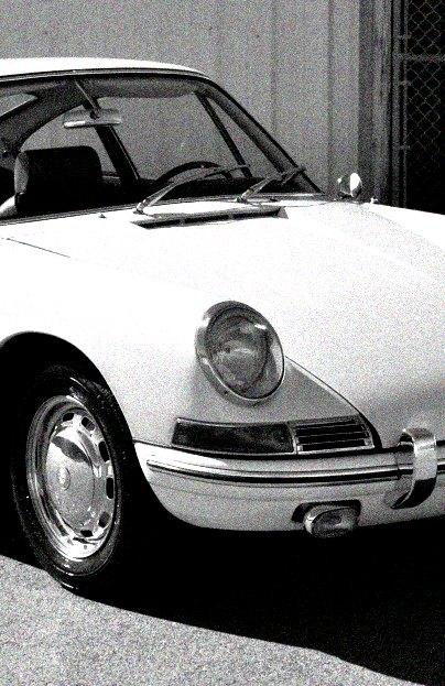 1964 Porsche 911-third