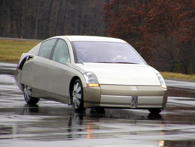 2000 GM Precept concept car in motion
