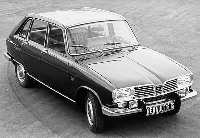 1965 Renault 16: it has five doors.