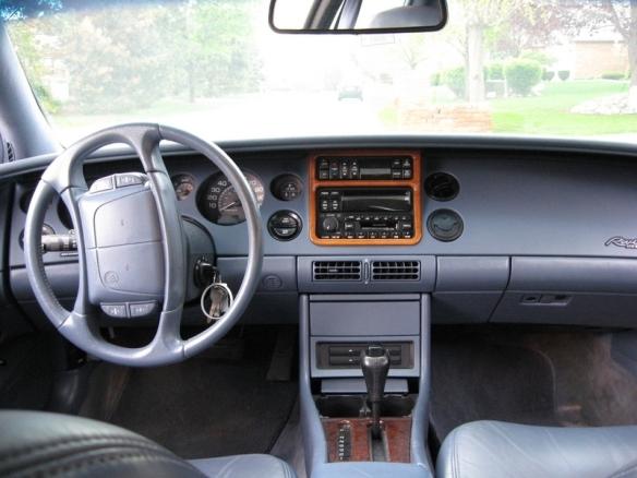 1995 Buick Riviera interior