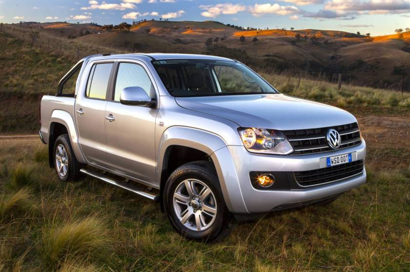 2012_VW_Amarok_Highline_-_Car_Review_(7821014328)