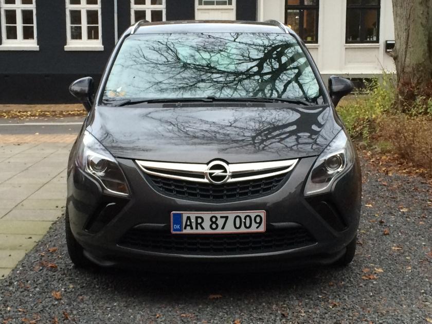 2014 Opel Zafira front