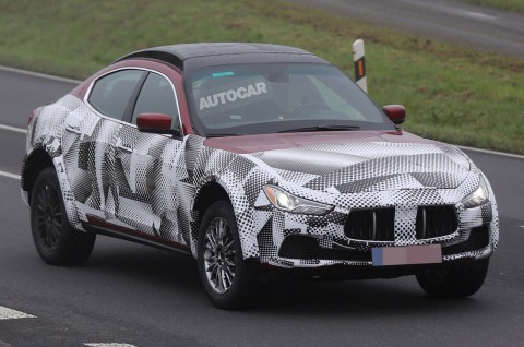 "Image: thanks to Autocar. They seem to have put a huge card saying ""Autocar"" inside the test car."