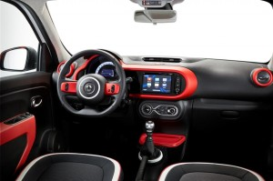 New-Renault-Twingo-dashboard-official-image-1024x682
