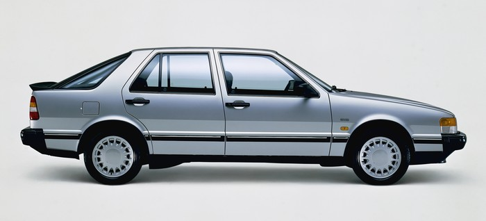 More interior room than a Rolls-Royce, so said the advertising copy. (1986 Saab 9000).