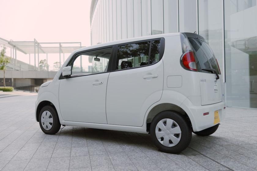 2011 Nissan Moco exterior