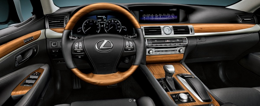 2014 Lexus LS interior in its woodiest spec. Not as neat as the 1989 car, mind.