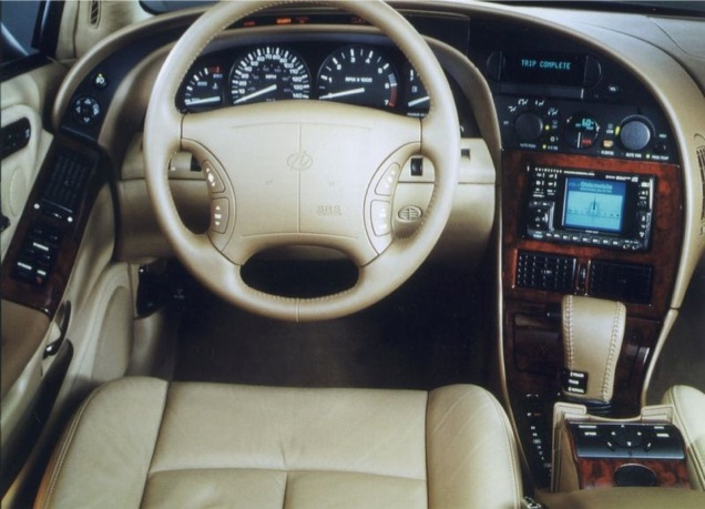 1995 Oldsmobil Aurora interior. It´s a bit iffy around the A-pillar but otherwise very appealingly sci-fi.