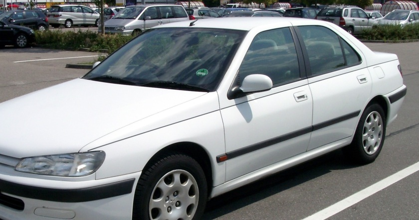 ...and indeed it does. Here´s a Peugeot 406.