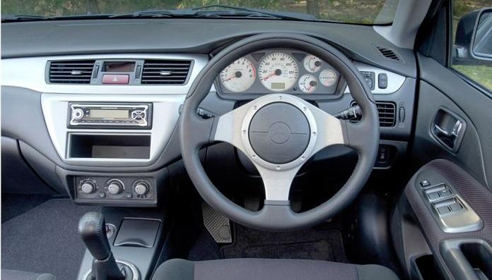 2005 Mitsubishi Lancer interior.