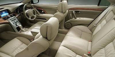 2007 Honda Legend cabin.