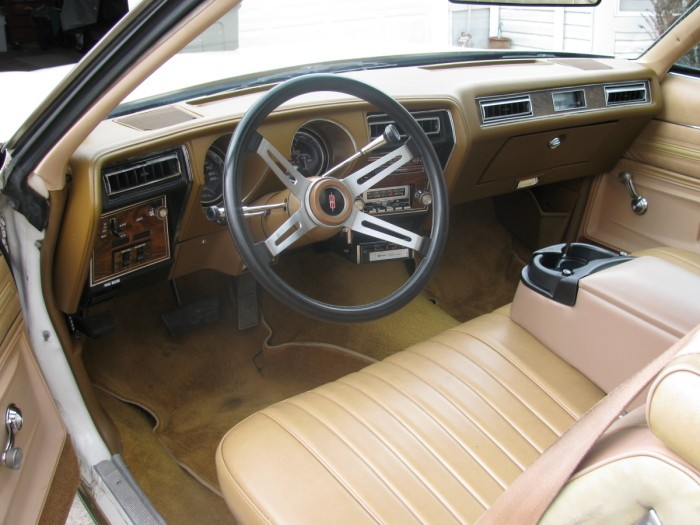 The height of success. The 1977 Olds Cutlass convertible interior. It´s not that bad, is it? Why do they call this the malaise era?