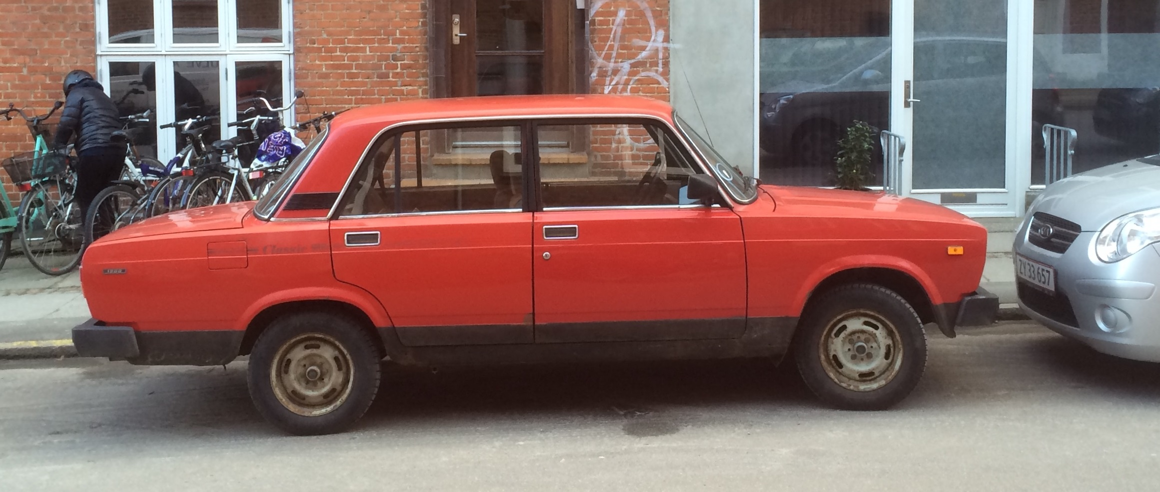 A photo for Sunday: 1979-2011 Lada 2105 Classic