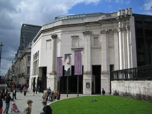 1991 National Gallery extension. Image: wikipedia. Give them some money now.