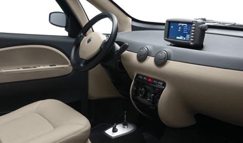 2014 Autolib interior, beige.