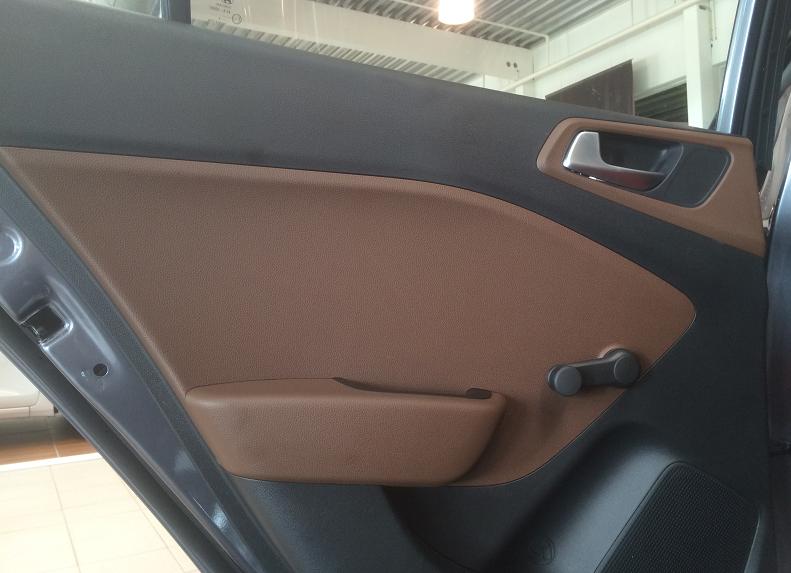 2015 Hyundai i20 door.