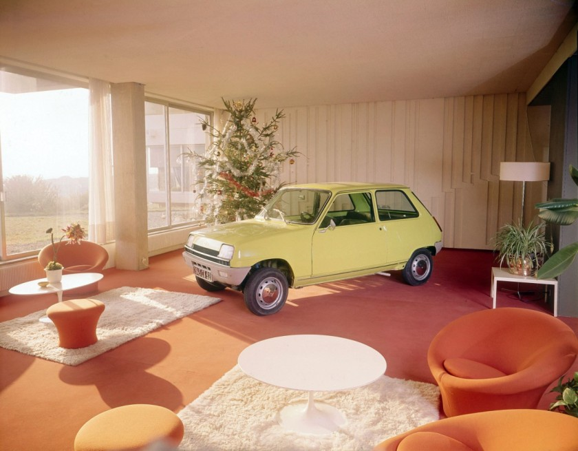 Every living room should have one. 1972 Renault 5 - image via curbsideclassic