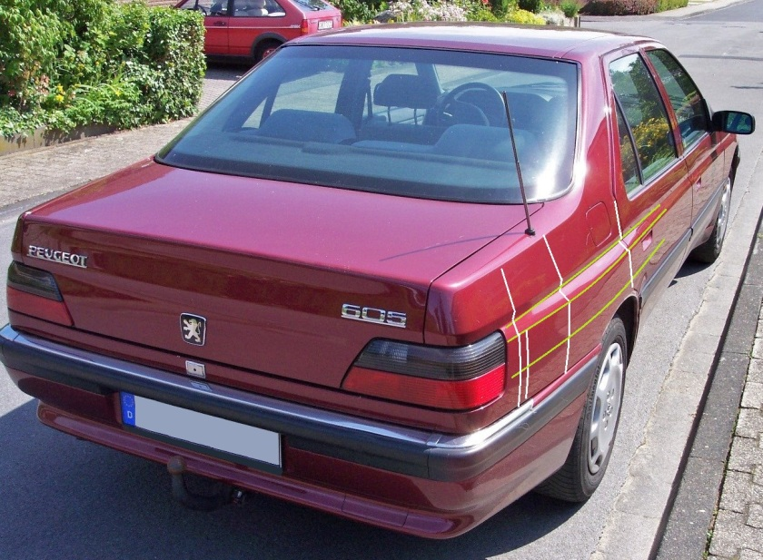 1989 Peugeot 605. Notice the sections sketched on the image. Image: Wikipedia