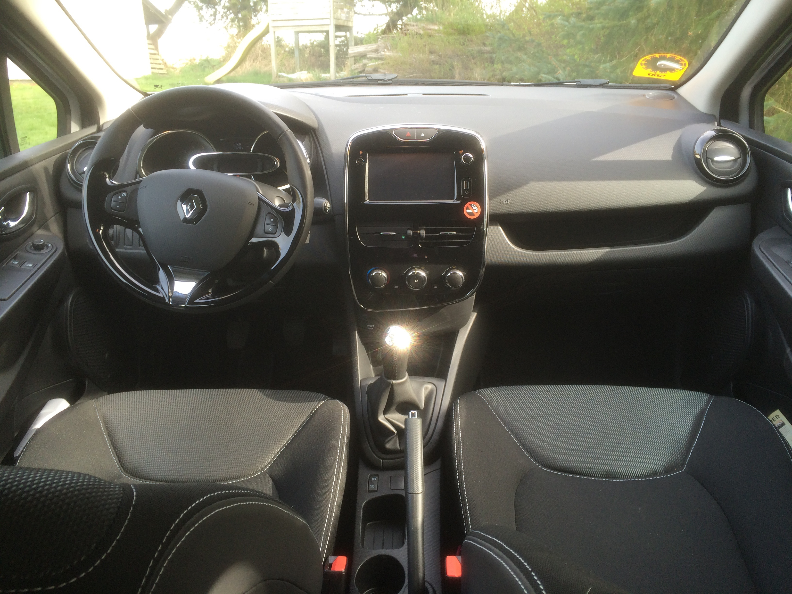 2015 renault clio sports tourer dci road test driven to write. Black Bedroom Furniture Sets. Home Design Ideas