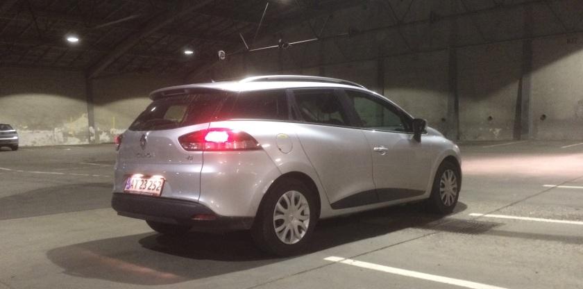 2015 Renault Clio rear three quarter garage