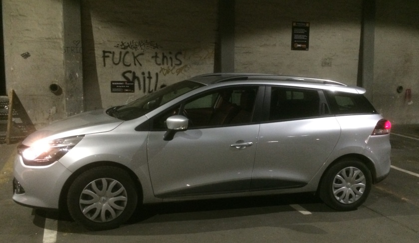 2015 Renualt clio garage graffiti