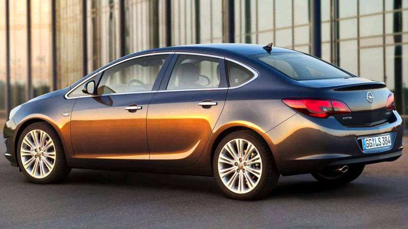 Also known as the Buick Verano, the lush Opel Astra saloon: www.opel.de