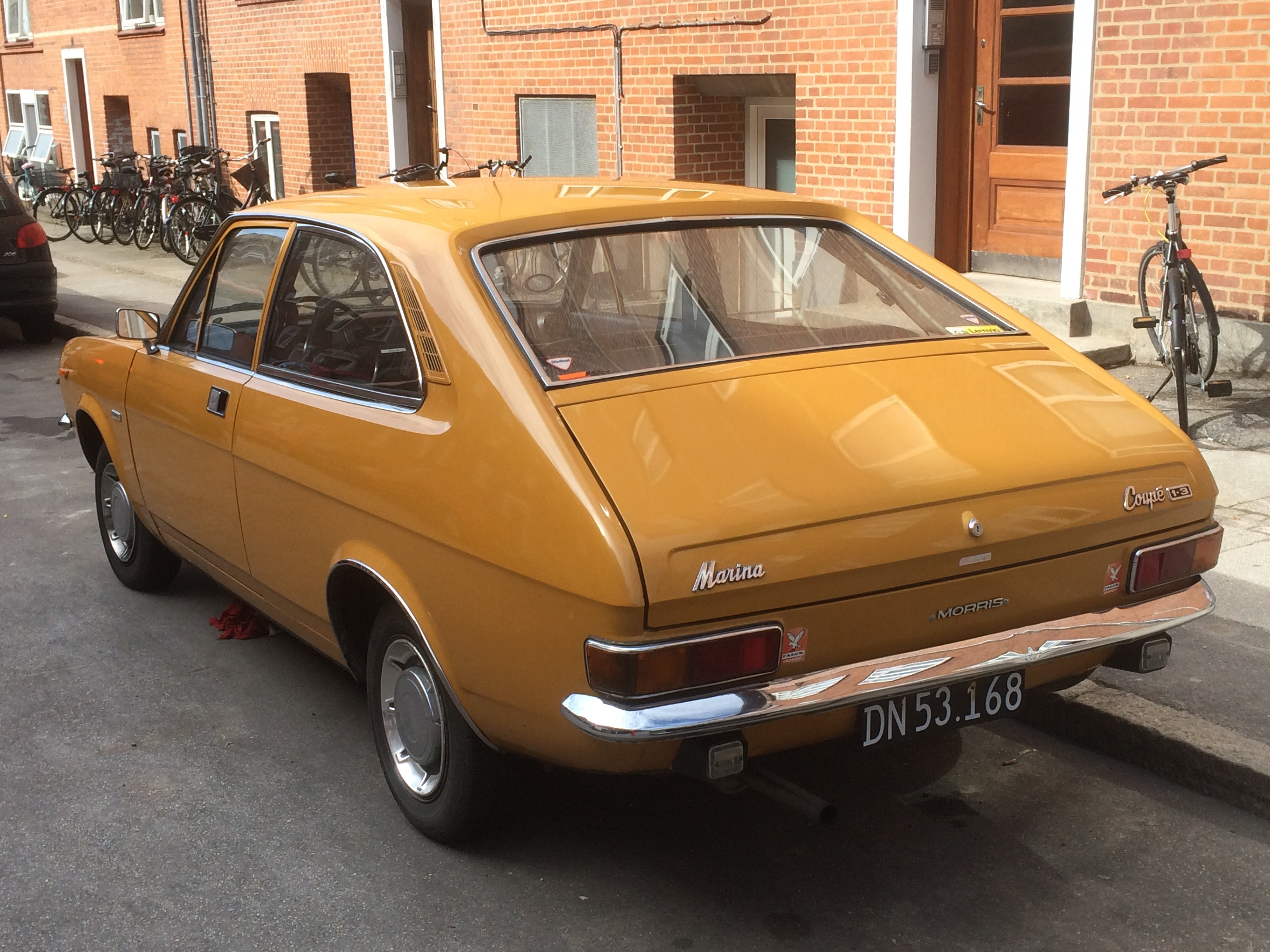 Two Car Garages A Photo For Sunday 1971 1979 Morris Marina 1 3 Super