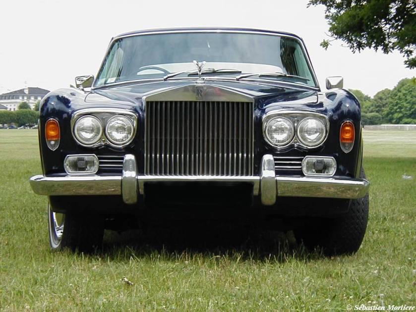 1971 Rolls-Royce Corniche: www.allsportauto.com