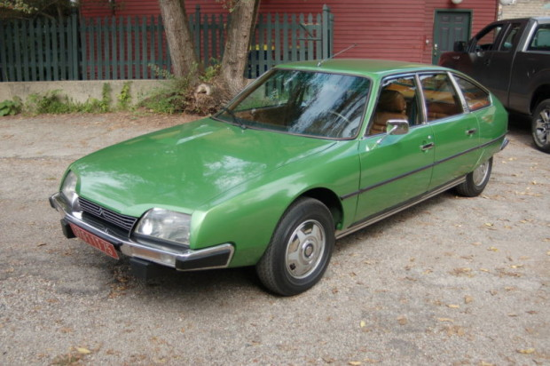 1976 Citroen CX green without line