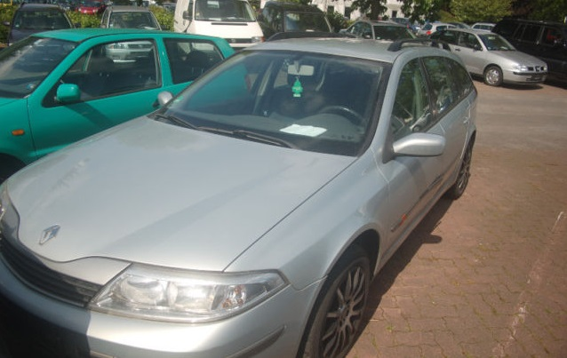 2001 Renault Laguna. They aren´t trying hard with this photo, are they?: mobile.de