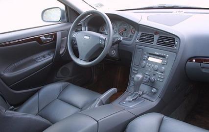 S60 interior image: edmunds.com