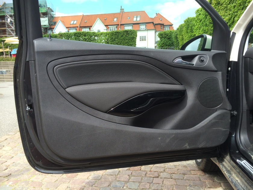 No costs cut here: Opel Adam door skin. It mates neatly to the dashboard too.
