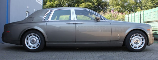 2004 Rolls Royce Phantom side