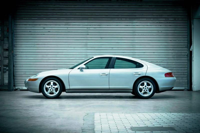 1989 Porsche 989. Image via krmgk
