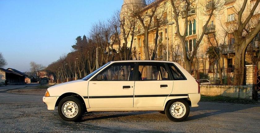 1990-Citroen_AX_white_1 modified