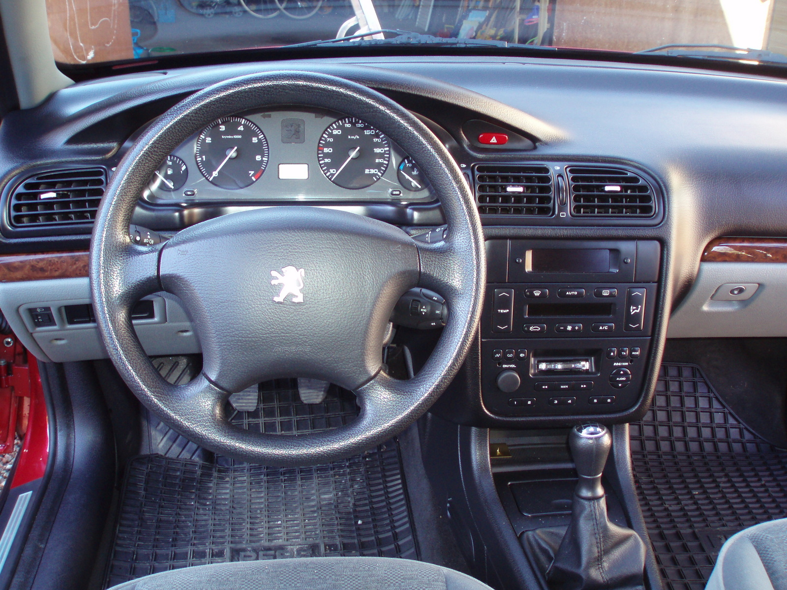 20 years of the peugeot 406 driven to write for Interieur 306