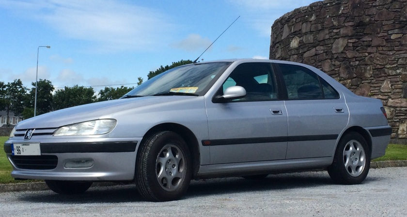 1996 Peugeot 406: the press reviews started in July 1995 and the car went on sale in the UK and Ireland the following year. This is an Irish example from the year of launch.