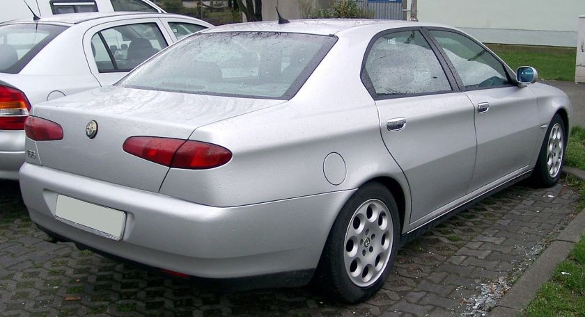 1998 Alfa Romeo 166 rear view: Wikipedia.org