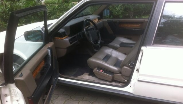 1988 Volvo 780 ES brown interior